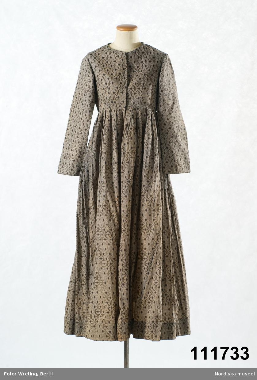 Hel långärmad klänning av bomull med tryckt mönster 4b8ca4f7fe3c6