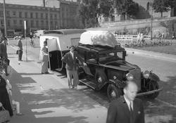 Oslo, august 1951. Campingvogn og bil.