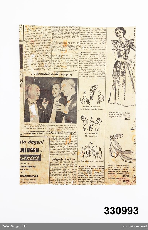 """Tapet, tryckt tidningspapper. På ena sidan datering """"Lördagen den 19 maj 1951"""". /Leif Wallin 2011-07-14"""