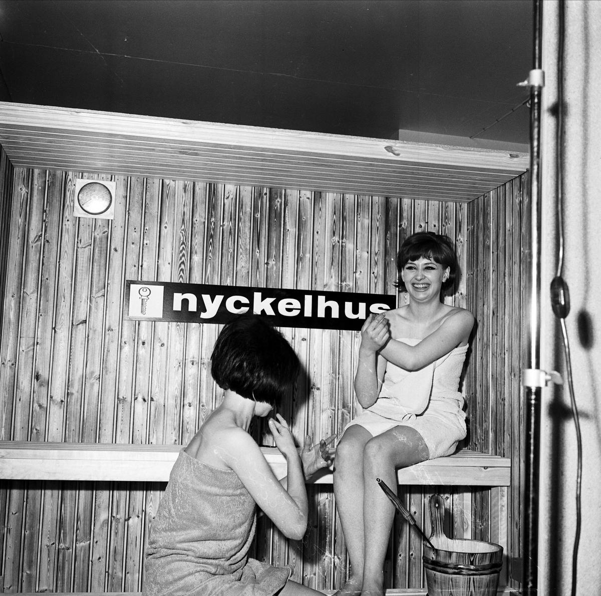 """""""TV i Örbyhus"""" - kvinnor i bastu, Uppland 1967"""