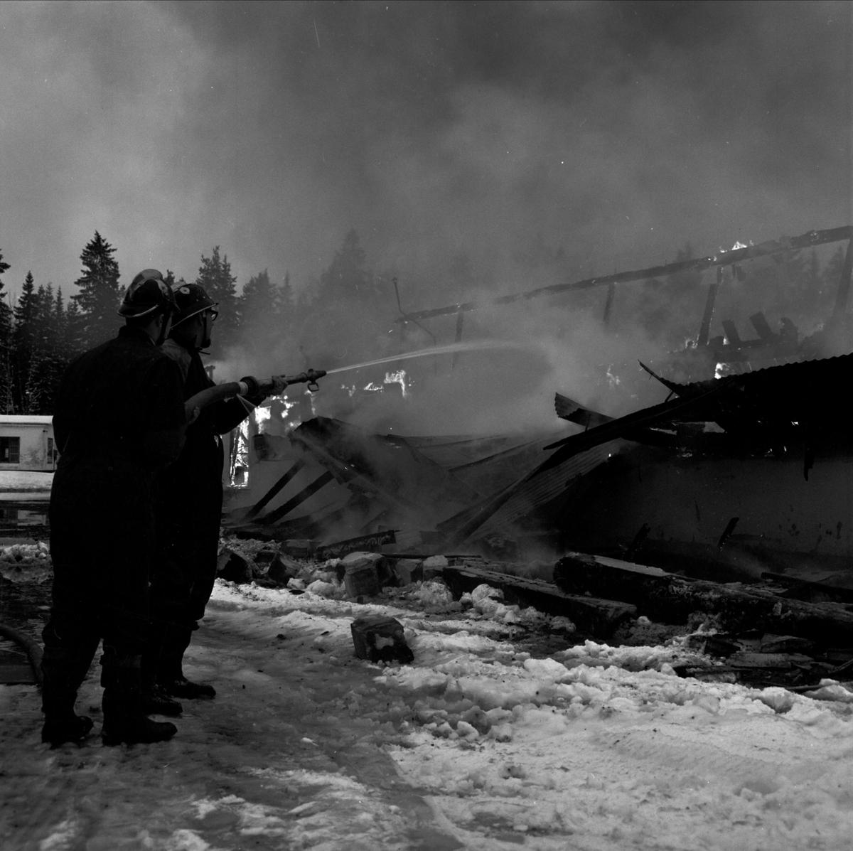 Industribrand i Tobo, Uppland, januari 1968