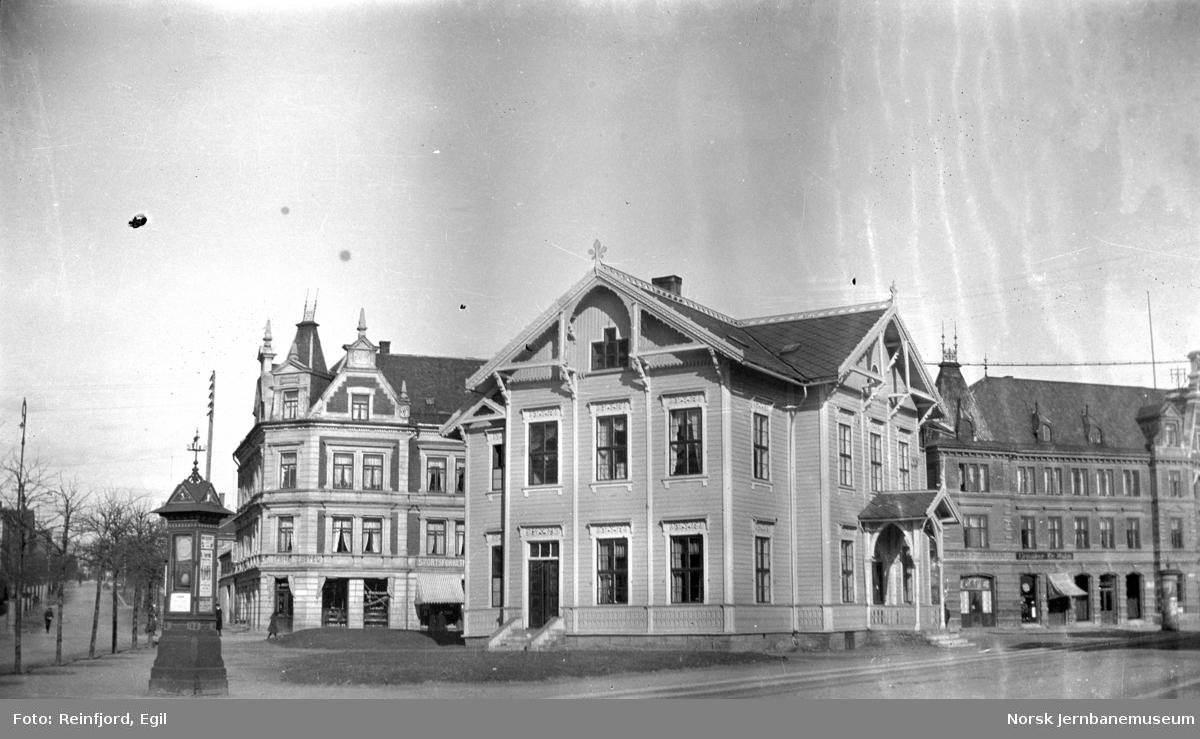 Hamar gamle stasjonsbygning i Jernbaneparken