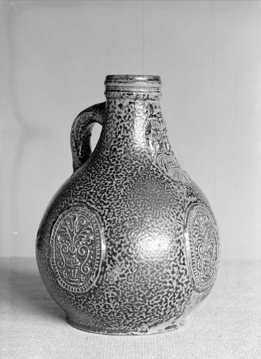 Krus av keramik i Upplandsmuseets samlingar