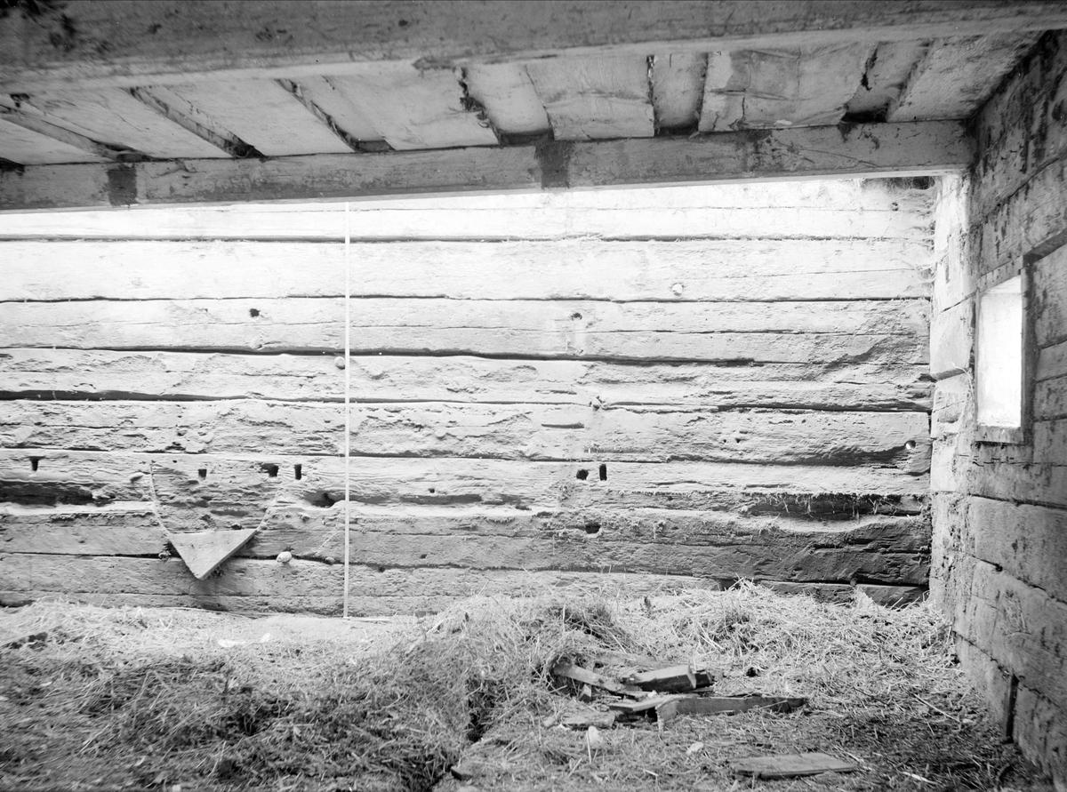 Vägg i stall - nu på friluftsmuseet Disagården - på ursprunglig plats i Gränby, Björklinge socken, Uppland