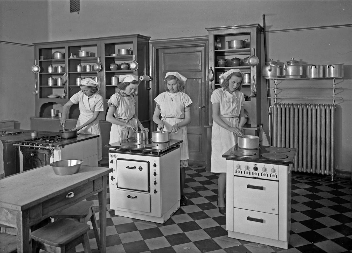 Matlagning, Uppsala Hushållsskola, Svartbäcksgatan, Uppsala 1942