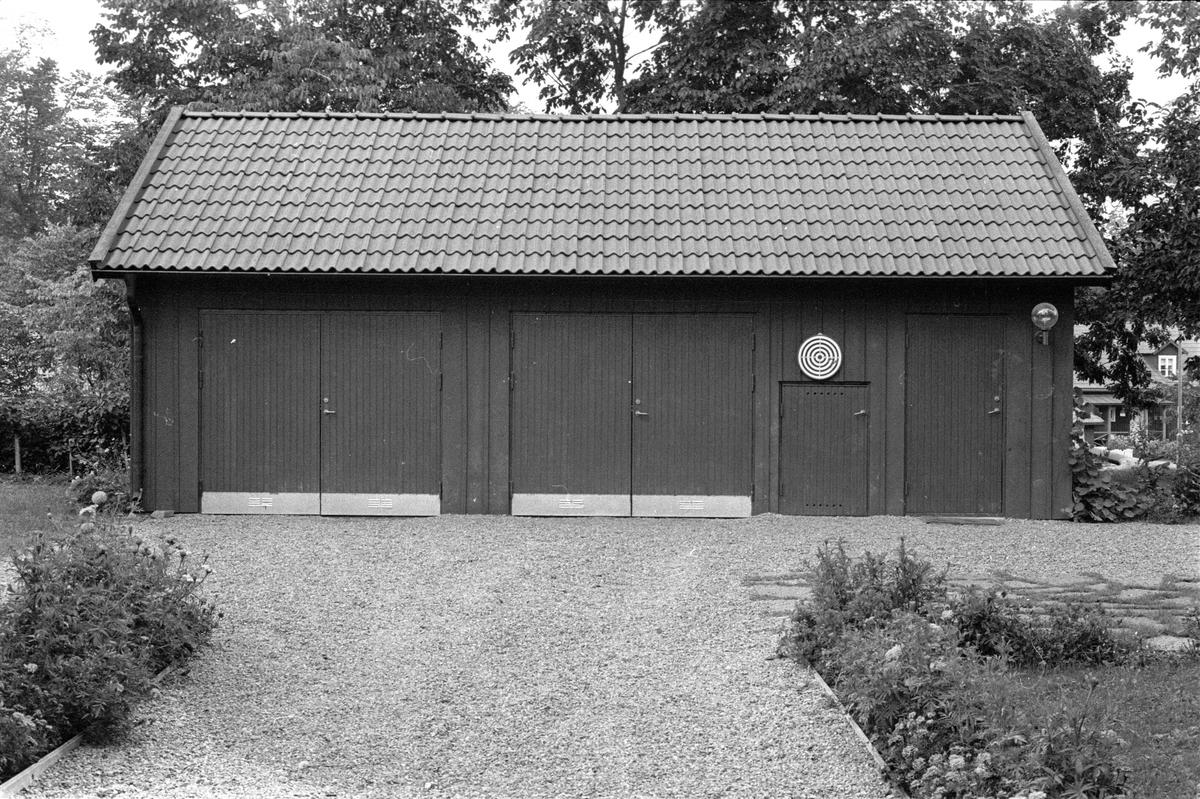 Garage, Vattholma Bruk, Vattholma, Lena socken, Uppland 1978