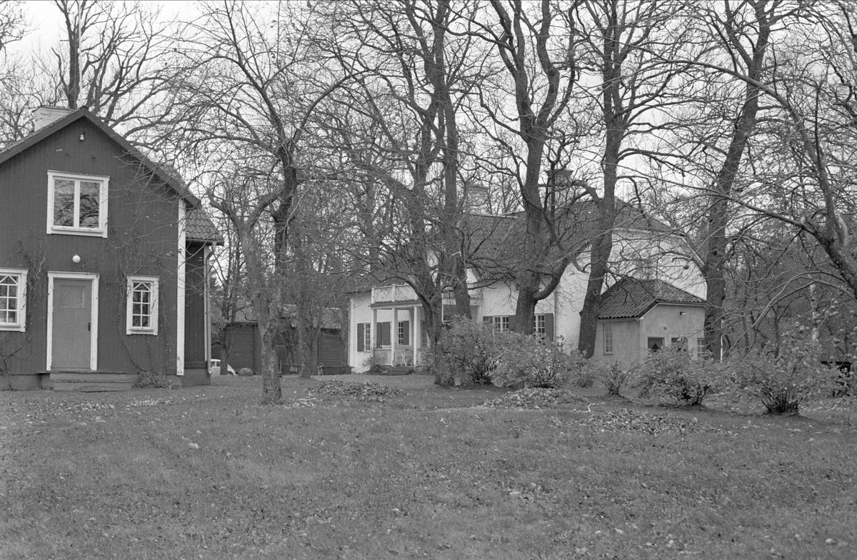 Arrendatorbostad och huvudbyggnad, Skediga gård, Skediga, Bälinge socken Uppland 1978