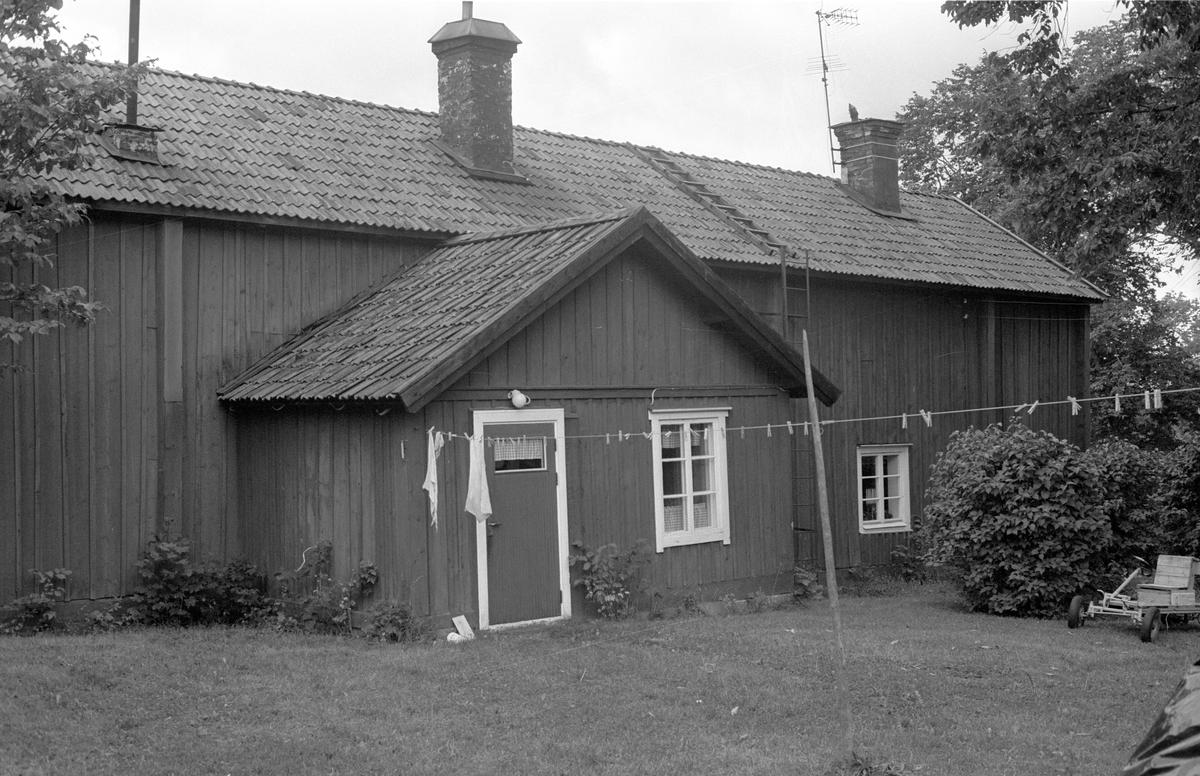 Bostadshus, Hov, Rasbo socken, Uppland