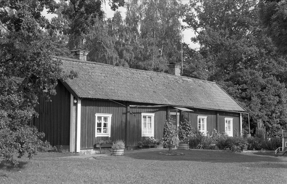 Bostadshus, Gåvstahagen, Rasbo socken, Uppland 1982