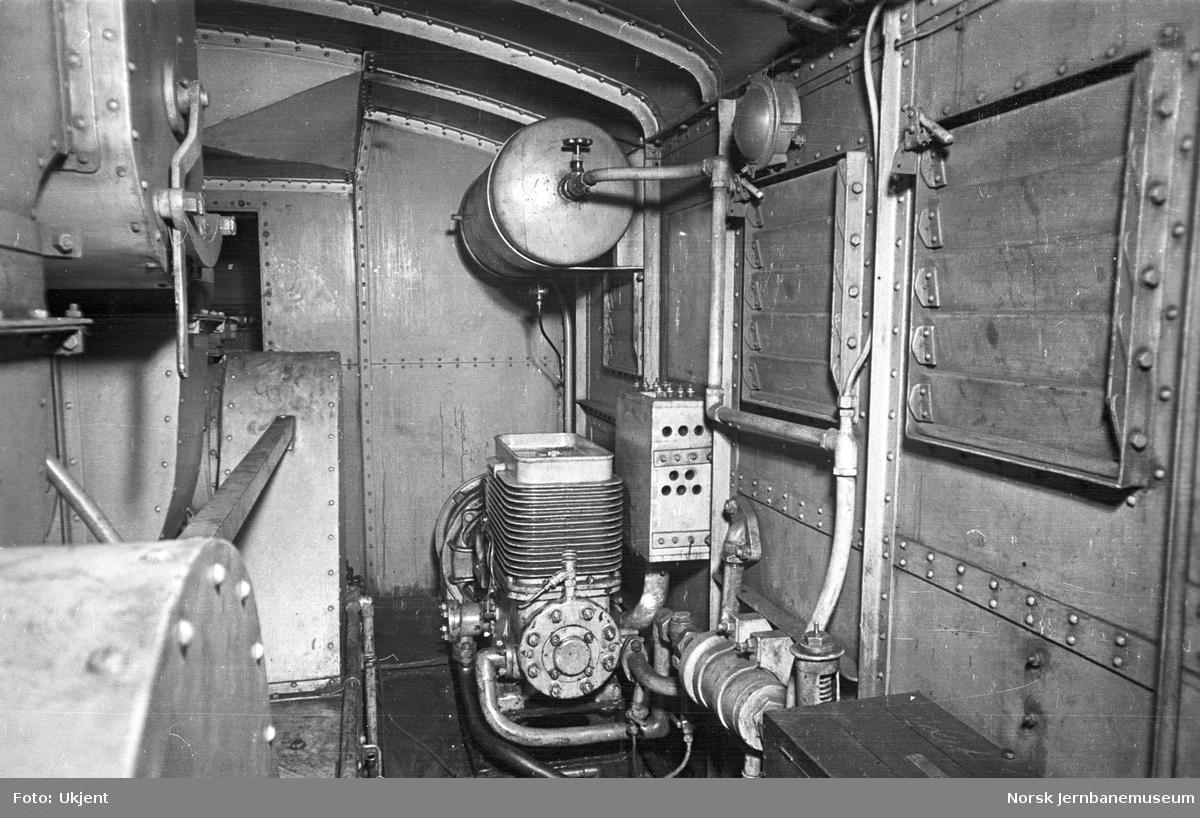 NSB elektrisk lokomtiv type El 3 nr. 2047 : maskinrom