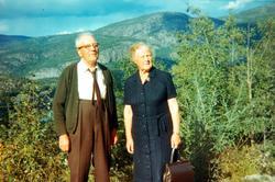 Ekteparet John Sveindal og Torine Fjellestad, Rugabrodet på Sveindal