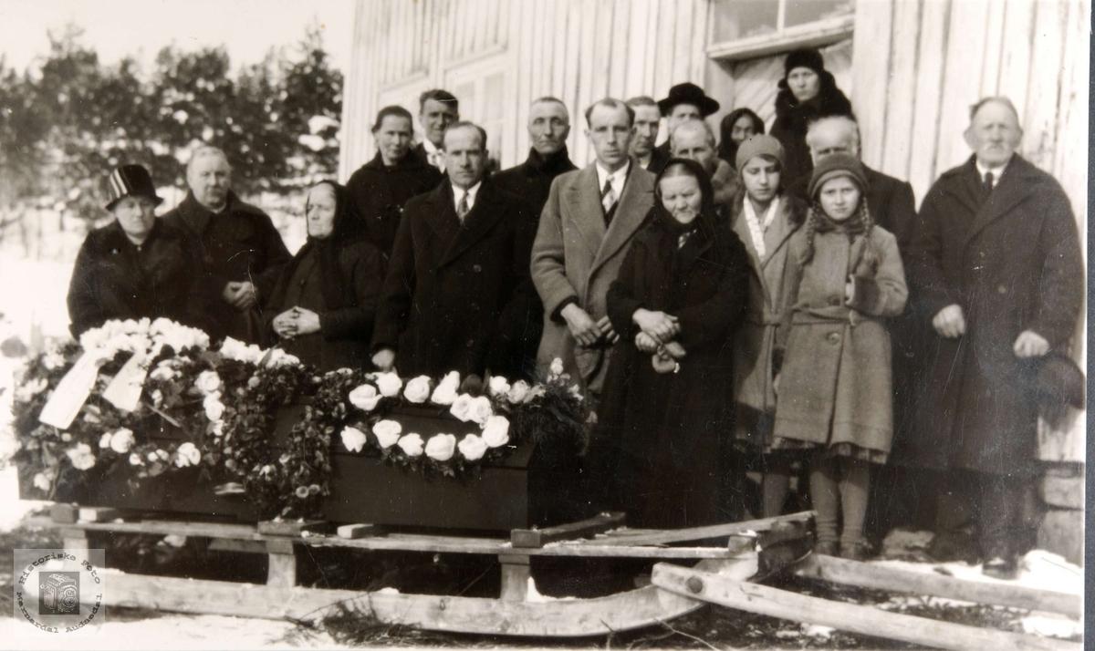 Reier Hellevann sin begravelse. Konsmo Audnedal.