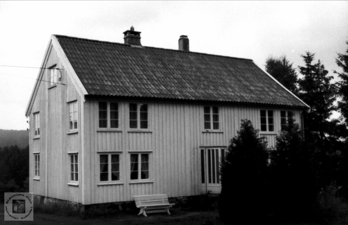 """Gården """"Den nede"""" på Ryllende i Bjelland."""