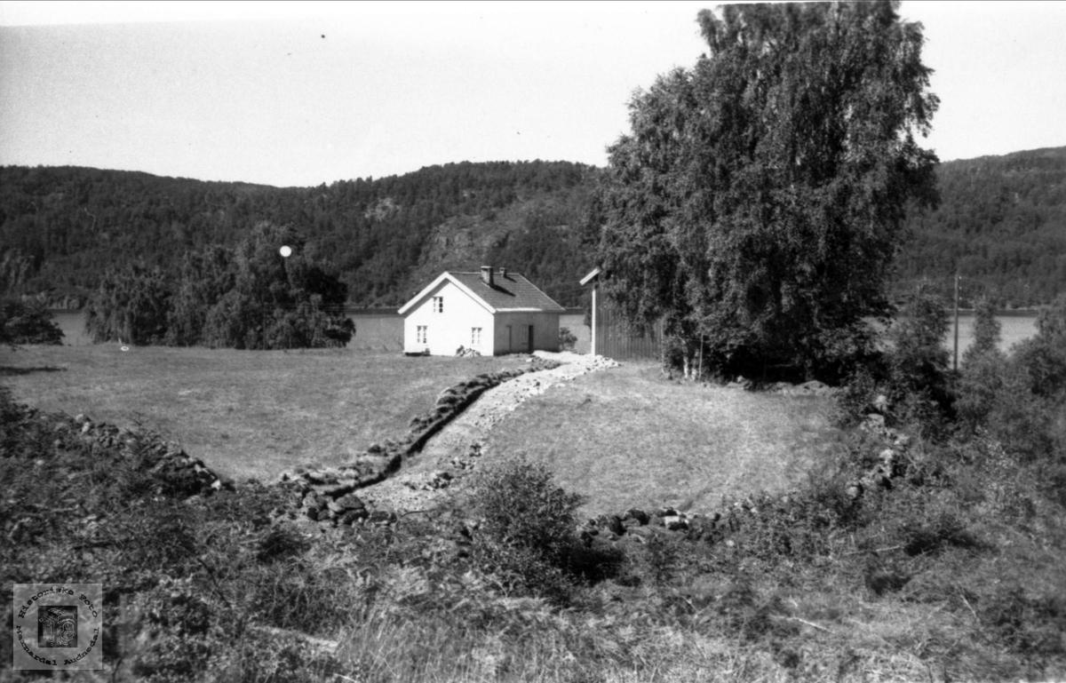 """Gamlehuset på """"Monen"""", Øygarden Ågedalstrand i Bjelland senere Audnedal."""