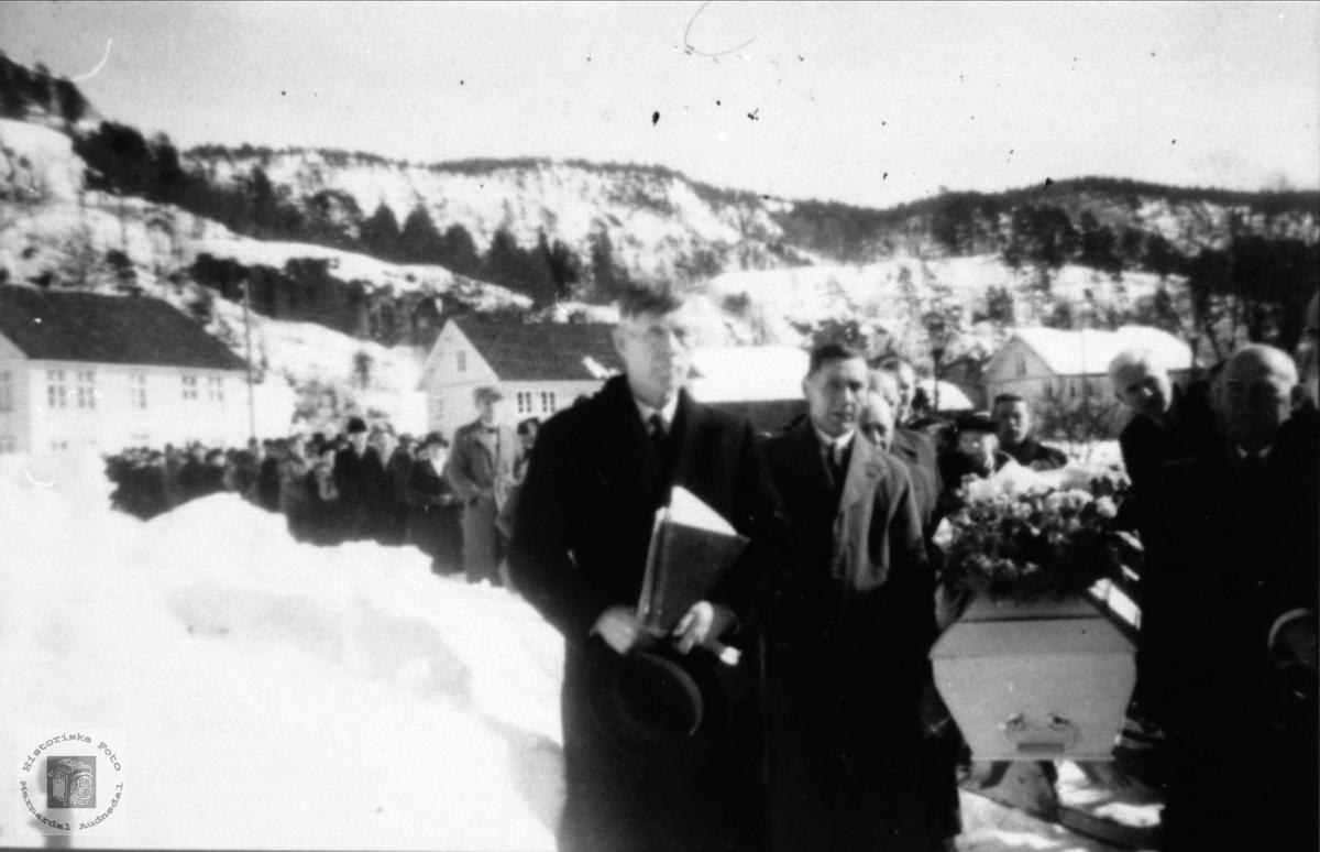 Gravferda til Gunnar Lauvdal.