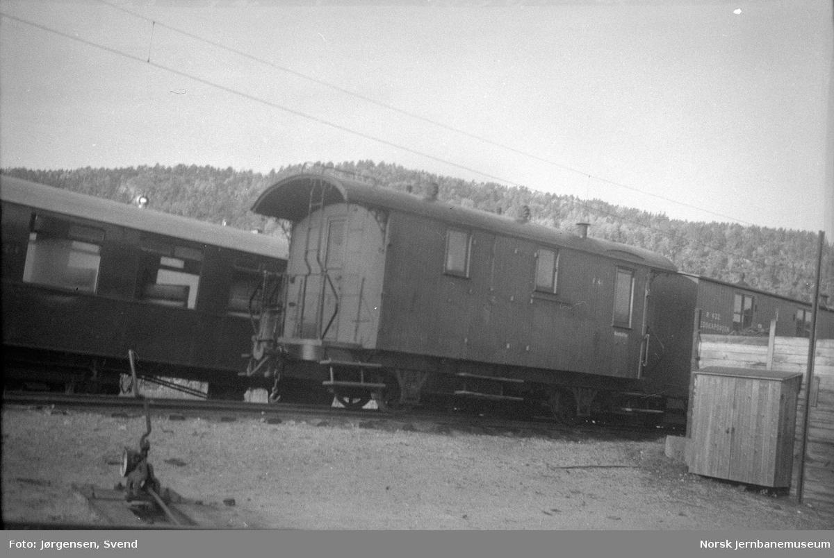 Konduktørvogn litra F nr. 41 på Grovane stasjon