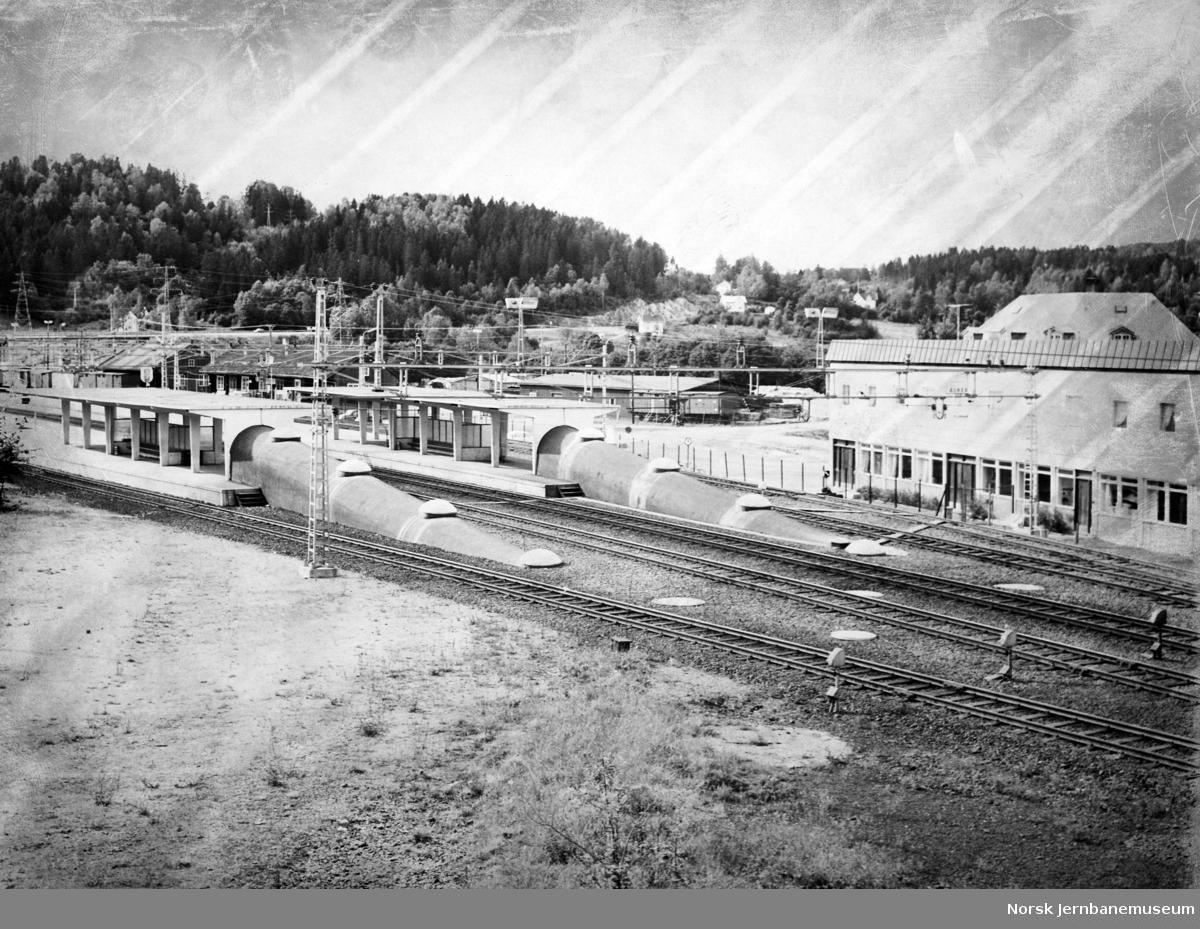 Asker stasjon med nye plattformer før åpningen Lieråsen tunnel