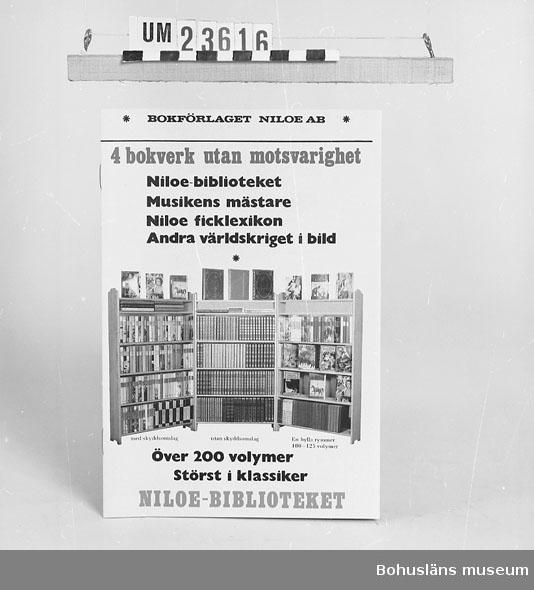 594 Landskap BOHUSLÄN 394 Landskap BOHUSLÄN  20-sidig reklambroschyr med bokförlaget Niloés produktion förtecknad samt omslagssidan avbildad. Se förvärvsuppgifter under UM23603. Neg.nr. UM146:1.