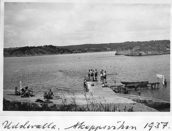 "Text på kortet: ""Uddevalla. Skeppsviken 1937""."
