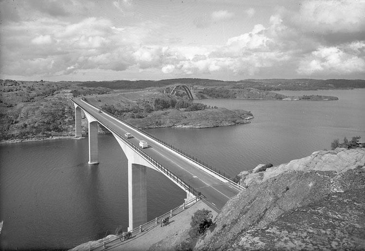 """Enligt AB Flygtrafik Bengtsfors: """"Tjörnbroarna mellanbron o stora bron Bohuslän""""."""
