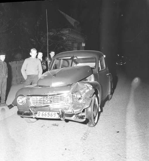 """Enligt notering: """"Krock Hedegärdebron d 5/12 -58""""."""