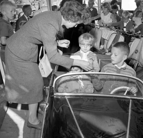 """Enligt notering: """"Barnens Dag 29/8 -59""""."""