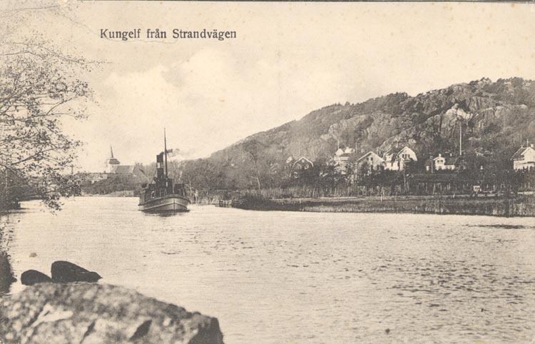 """Tryckt text på kortet: """"Kungelf från Strandvägen"""".       ::"""