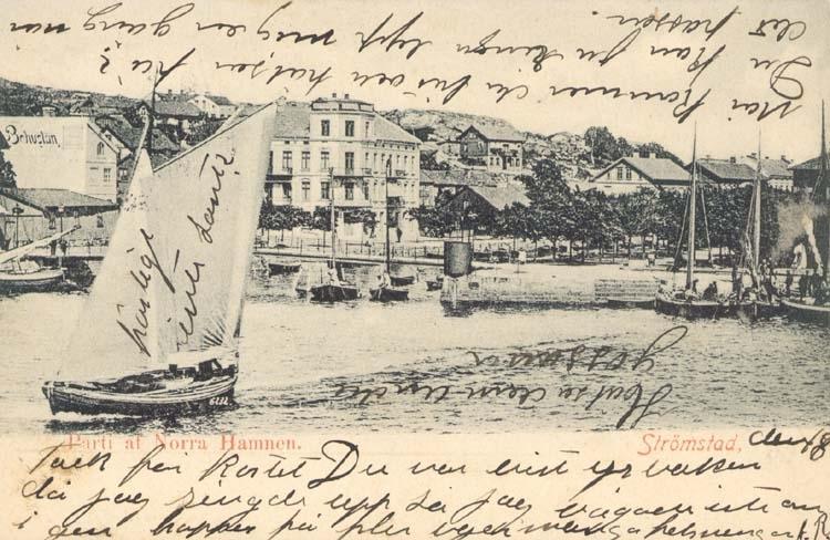 """Tryckt text på kortet: """"Strömstad. Parti af Norra Hamnen."""""""
