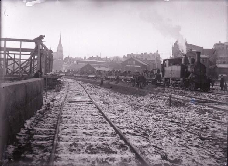 Byggandet av Lysekils järnväg vid stationen i Lysekil