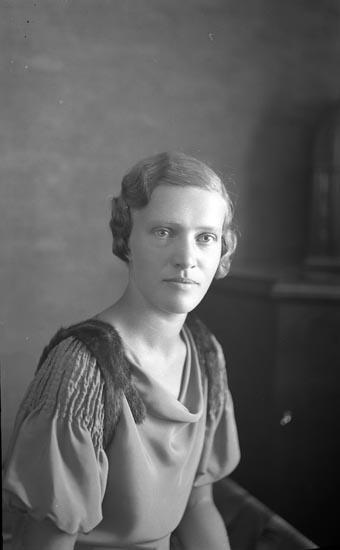 """Enligt fotografens noteringar: """"1934. 25. Ulla Sahlberg."""""""