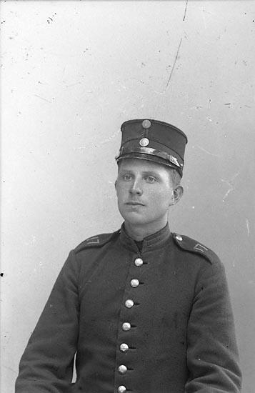 """Enligt fotografens journal nr 1 1904-1908: """"Bengtsson, nr 406 Backamo""""."""