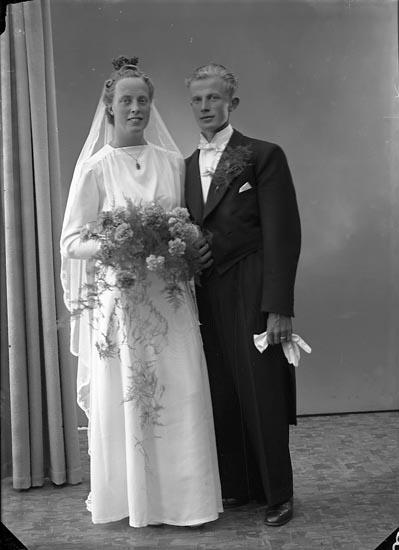 """Enligt fotografens journal nr 6 1930-1943: """"Edvardsson, Herr Thure Sköldunga Här""""."""