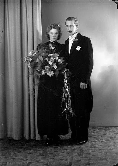 """Enligt fotografens journal nr 6 1930-1943: """"Niklasson, Clas Tveten Spekeröd""""."""