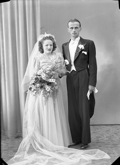 "Enligt fotografens journal nr 7 1944-1950: ""Nilsson, Herr Gustaf N. Liden 20 Gbg""."