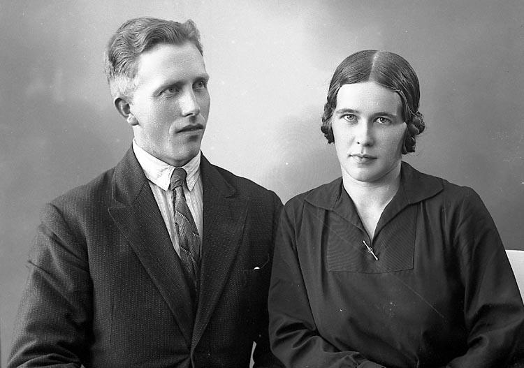 """Enligt fotografens journal nr 6 1930-1943: """"Johansson, Elin Källeröd Skårby""""."""