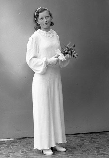 "Enligt fotografens journal nr 6 1930-1943: ""Johansson, Agnes Hälle Stenungsund""."