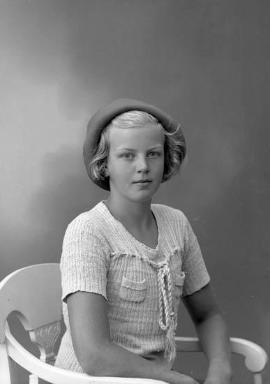 "Enligt fotografens journal nr 6 1930-1943: ""Mörner, Fr. Maud Stenungsund""."