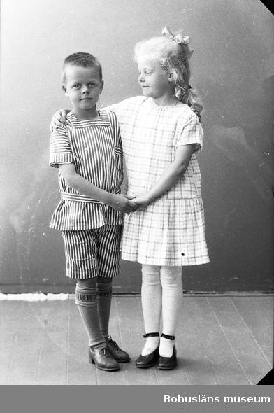 """Enligt fotografens journal nr 5 1923-1929: """"Rode, Inger o Olof Enander Skien Norge""""."""