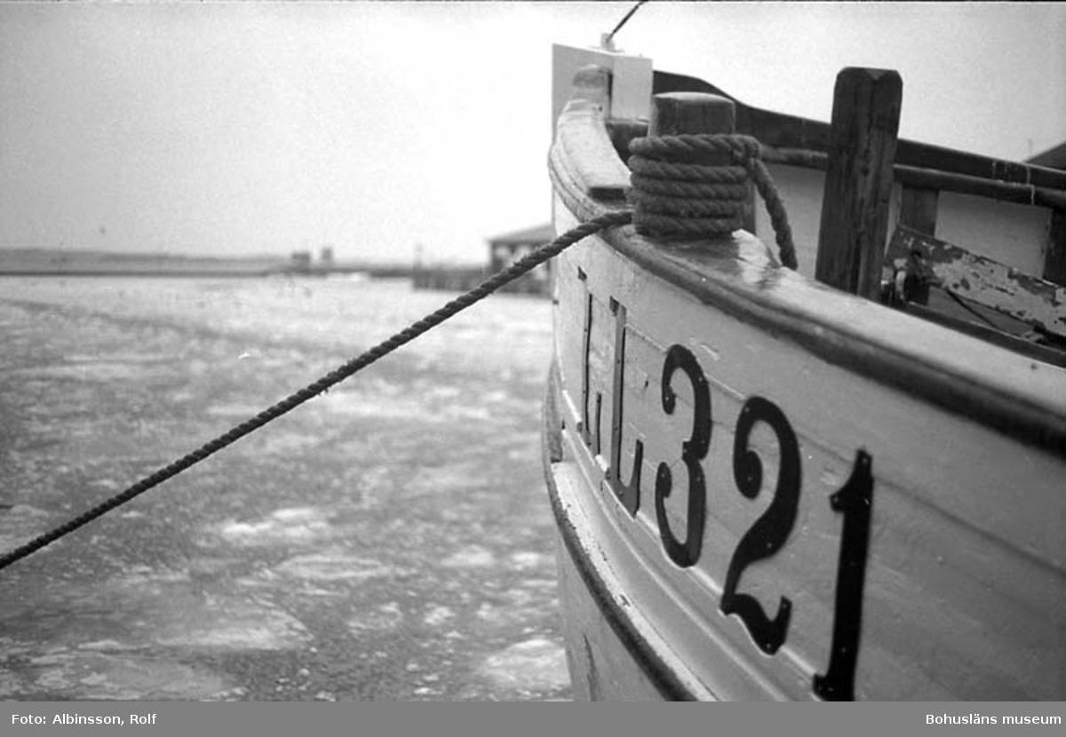"""Enligt fotografens noteringar: """"Fören på Sandvik.""""  Fototid: 1996 den 12 januari."""
