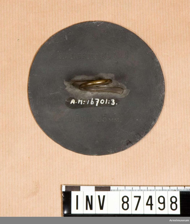 Grupp F. V.  Av zink för tillskärning av tyg till karduser för 8.cm. kanon M/.1881 och M/.1894.