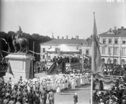 Festligheter i samband med avtäckningen av statyn av Karl X