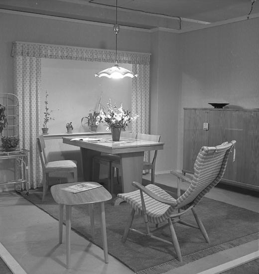 Utställning Möbler och Konst, AB Otto Werner, Lysekil i augusti 1946.