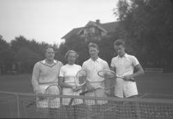 "Text till bilden: ""Göteborgsred. Tennis. 1951.09.28"" ::"