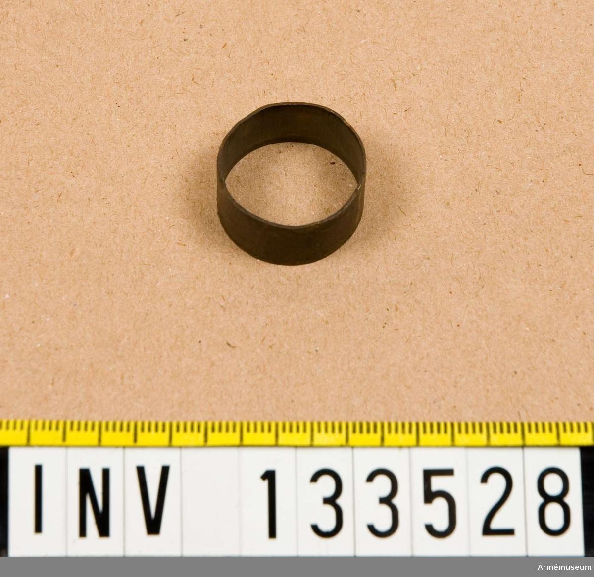 Diameter= 24 mm, av mässing.