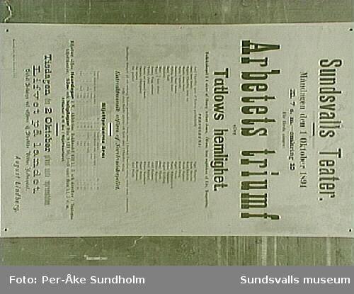 """Teateraffisch ur Sundsvalls Teaterförenings arkiv, Folkrörelsearkivet, """"Arbetets triumf"""", August Lindberg, Sundsvalls Teater, Måndagen den 1 Oktober 1894 Kl. 7 e.m. - omkring 10."""
