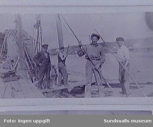 Svartviks industriområde c:a 1931. Fr. v. Karl Glantz, Anders Höglund, Gunnar Nordström, Sven Svensson.