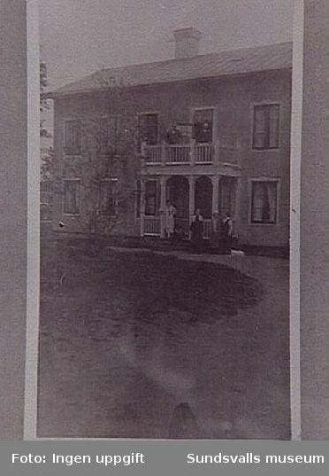 Almedalsgården år 1930 ca. Huset revs 1979 ca. Läget motsvarar nuvarande Skönsmogatan 21.