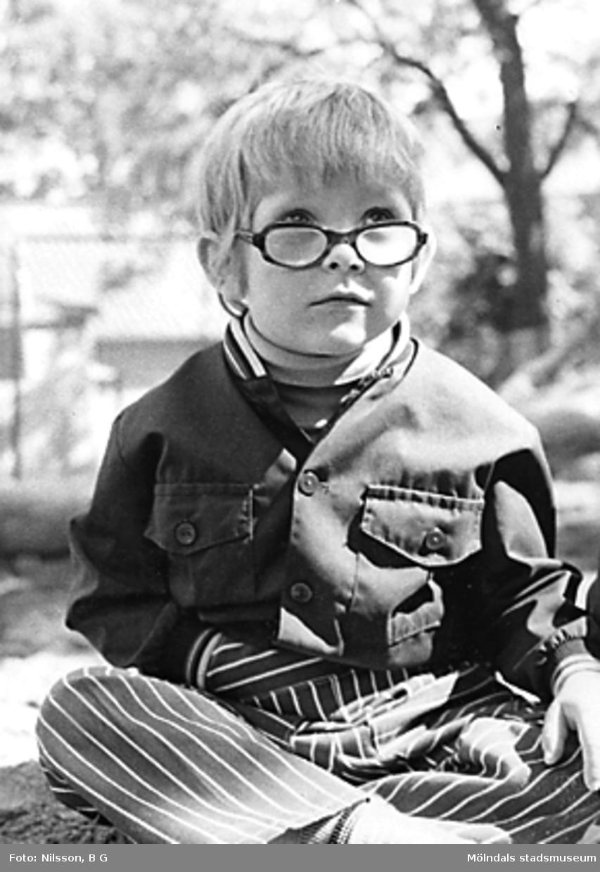 En pojke vid Holtermanska daghemmet juni 1973.