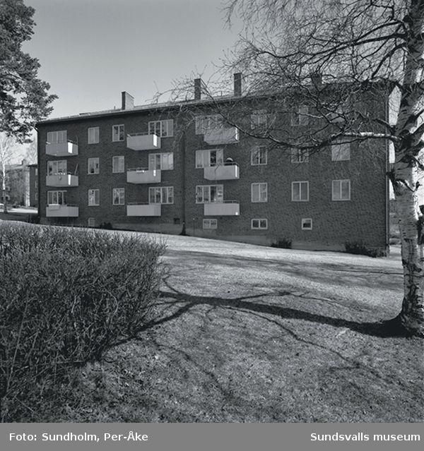 Inventering av 1940- och 50- talsområden. Odengatan 3, Västergatan 20, Västergatan 23.Byggår:1950  Arktikt: Gunnar Wejke och Kjell Ödeen.