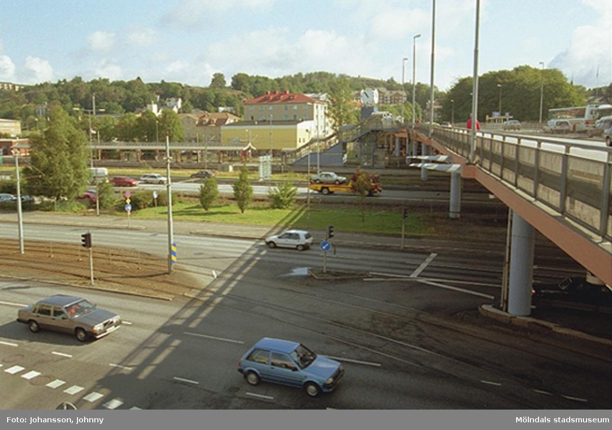 Mölndalsbro, järnvägsstationen och motorvägen (på norra sidan av bron).